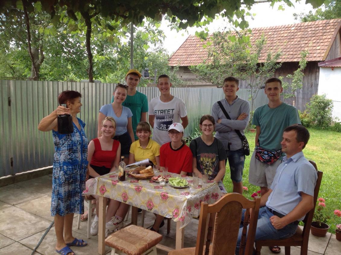 У гостинної сім'ї Болдижарів з Бобовища