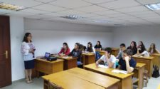 Інна Шаркань проводить відкрите заняття в коледжі УжНУ