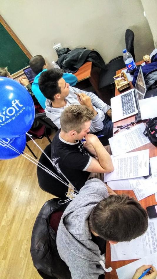 Команда UzhNU_Auturismo під час студентського змагання в Одесі