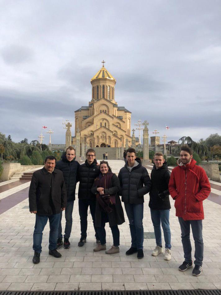 Перед сятинею грузин Цминда Самеба