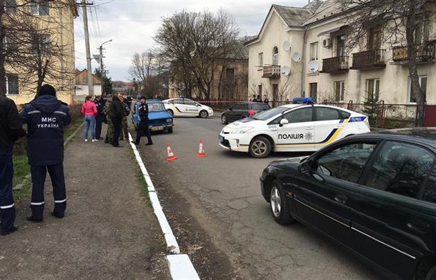 Стрілянина в Мукачеві біля школи