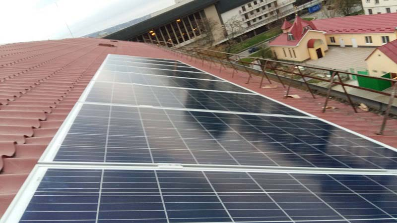 Сонячні батареї на ЗОШ № 5 в Ужгороді