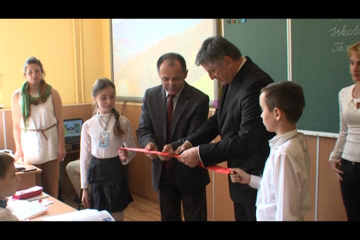 Відкриття кабінету угорської мови в Ужгородській ЗОШ № 2