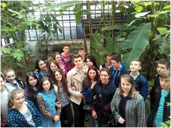 Студенти УТЕК у ботанічному саді УжНУ