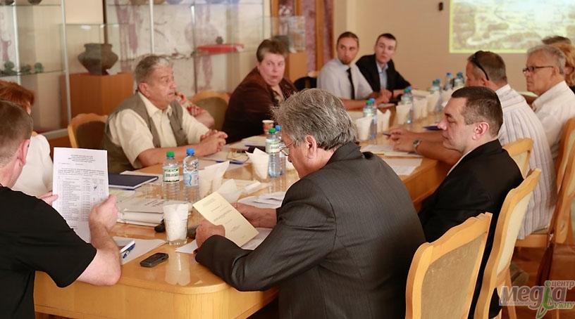 Захисти дисертацій на історичному факультеті УжНУ