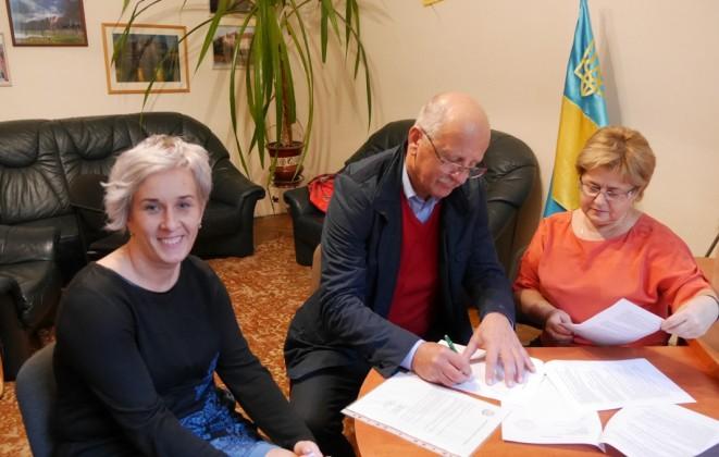 Ужгородська лінгвістична гімназія підписала договір про співпрацю з гімназією із Михайлівців (Словаччина)