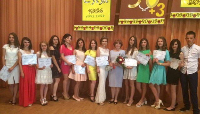 Випускники Свалявського технічного коледжу з дипломами