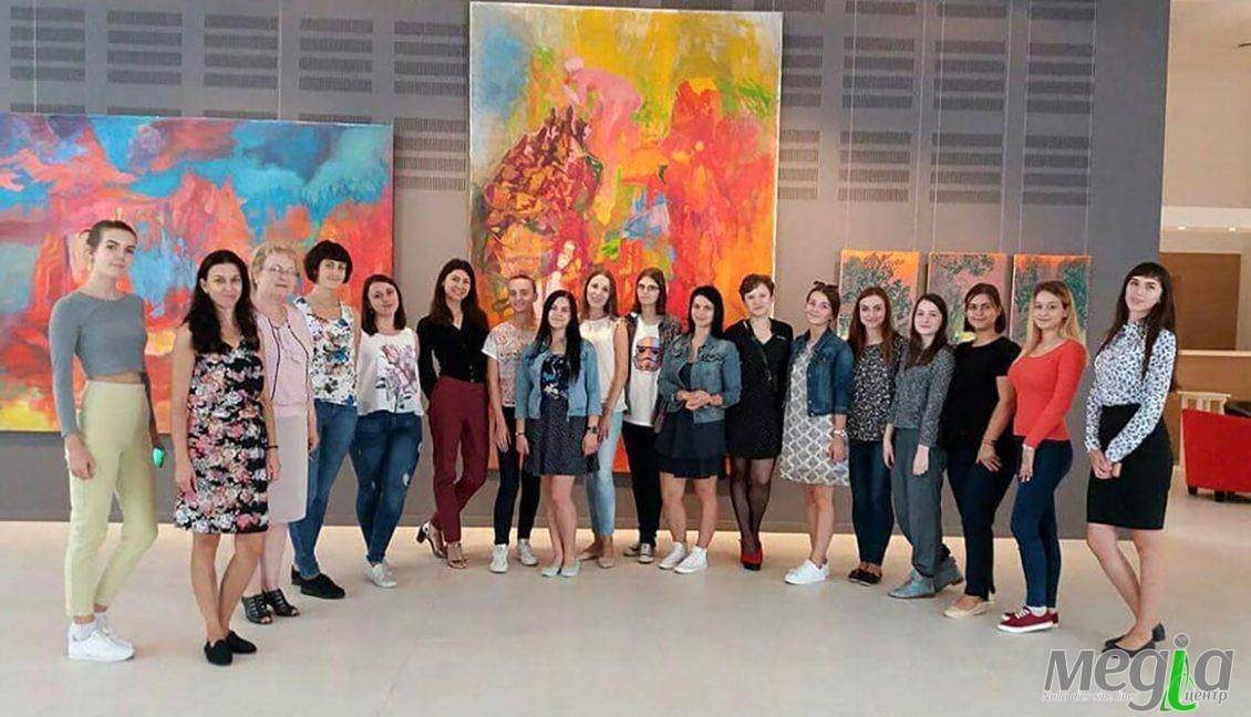 """Студенти й викладачі філфаку УжНУ в галереї """"Ілько"""""""