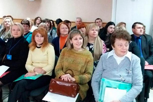 Галина Шумицька, Надія Бабич. У Чернівцях дискутували про мову освіти
