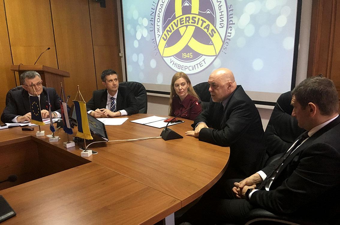Зустріч із консулами Чеської та Словацької Республік в УжНУ