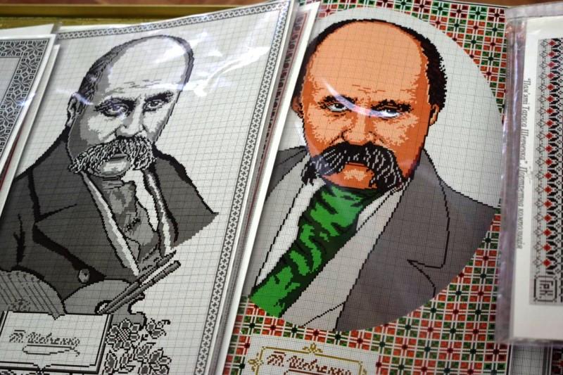 Тарас Шевченко на вишиванці