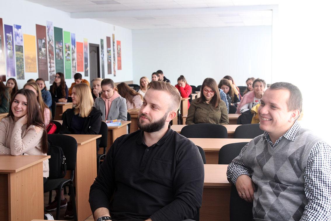 Олег Хававчак, Василь Шаркань