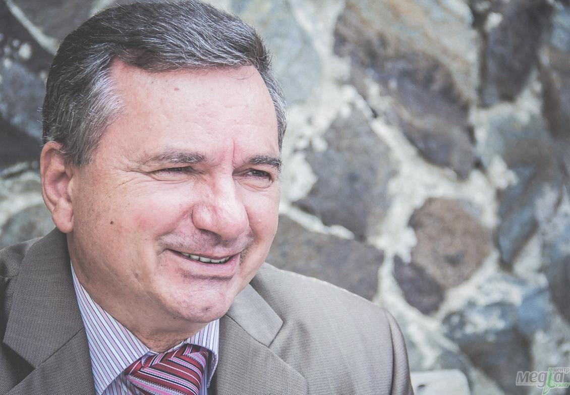 Професор Володимир Міца